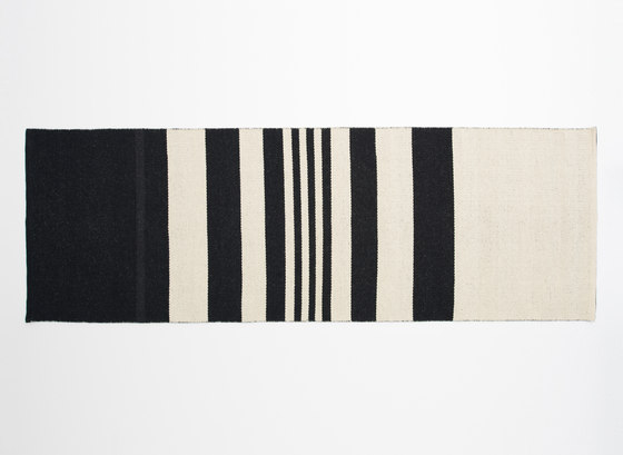 Gaia 2w Black by Johanna Gullichsen | Rugs / Designer rugs