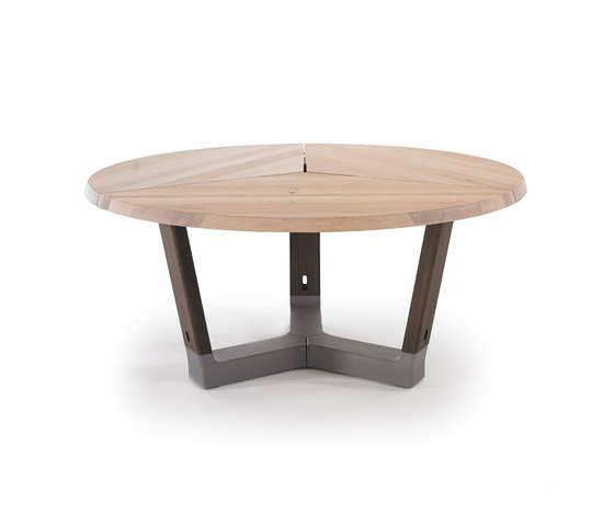 Base round by Arco | Restaurant tables