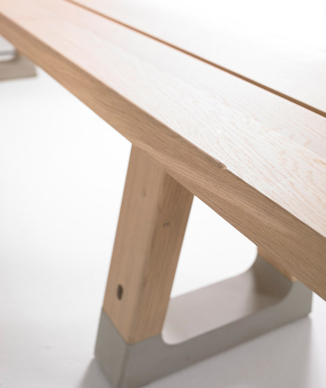 Base bench by Arco | Waiting area benches