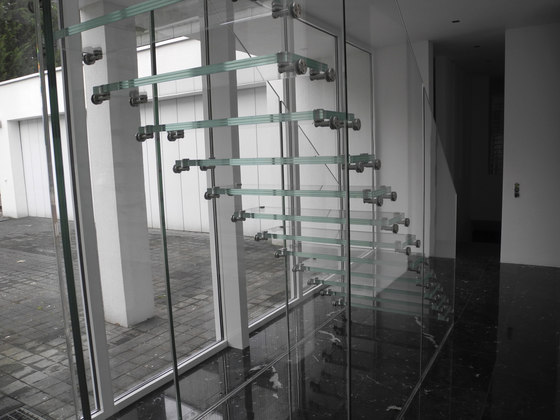 Mistral Glass Wall by Siller Treppen   Staircase systems