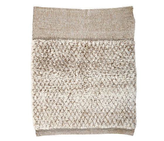 Le Maroc Blanc | Zigzag Border by Jan Kath | Rugs