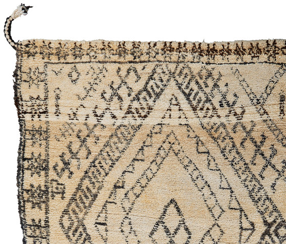 Le Maroc Blanc | Old Berber by Jan Kath | Rugs