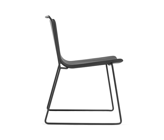 Alo chair XL by ONDARRETA | Lounge chairs
