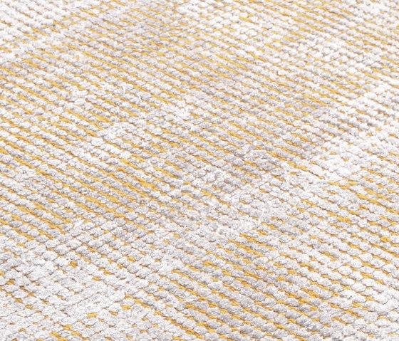 Tripod saffran von Miinu | Formatteppiche / Designerteppiche