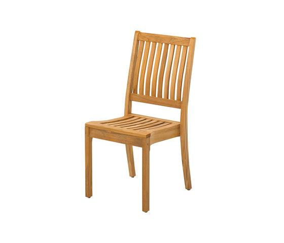 Kingston Stacking Chair de Gloster Furniture GmbH   Sillas