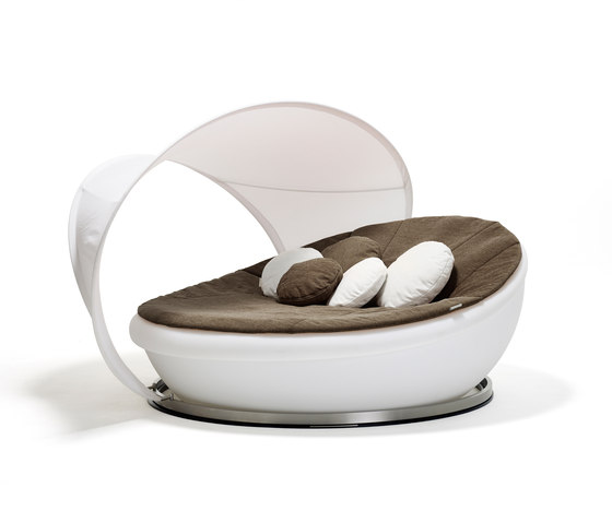 Lagoon Daybed by solpuri | Seating islands