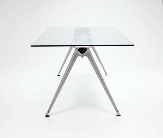 Grip Glass by Randers+Radius | Canteen tables