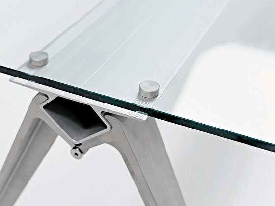 Grip Glass de Randers+Radius | Tables de cantine
