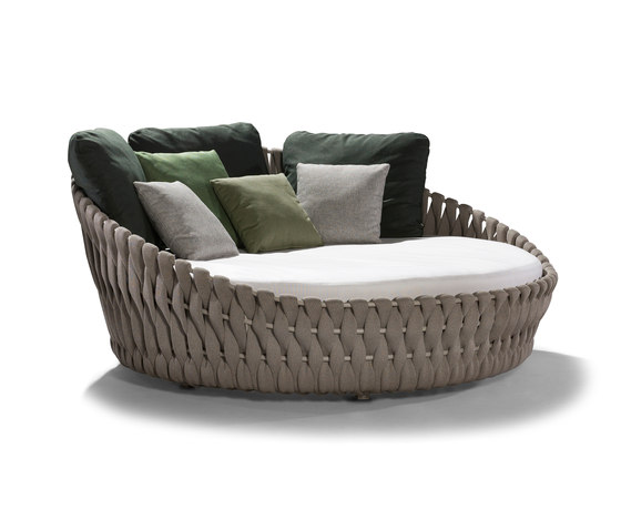 Tosca Daybed by Tribù | Seating islands