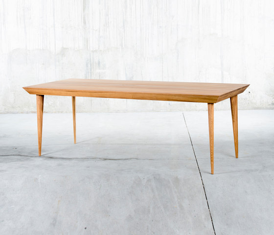 Malaqa Table 1 by QoWood | Dining tables
