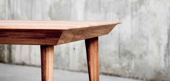 Malaqa Table 2 by QoWood | Dining tables