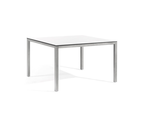 Quarto low square dining table by Manutti | Dining tables