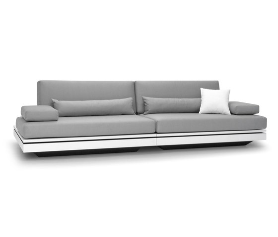 Elements sofa 2 seater by Manutti | Garden sofas