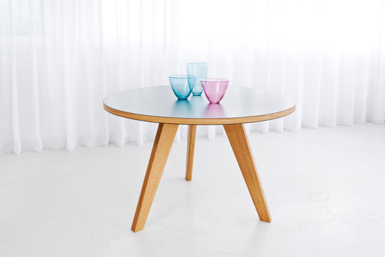 Bridge Orbit de MORGEN | Tables de restaurant