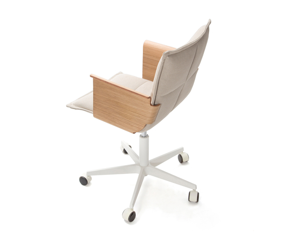 Lab Z Chair by Inno | Task chairs