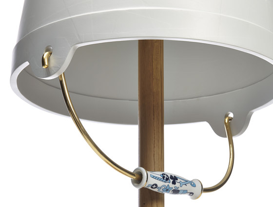 bucket floor lamp by moooi | General lighting