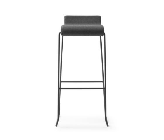 Nova Stool h75 by ONDARRETA | Bar stools