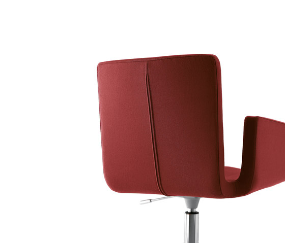 Mantis swivel chair by Kristalia | Task chairs