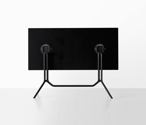 Poule table by Kristalia | Multipurpose tables