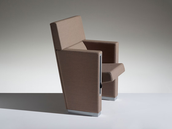 L213 by Lamm | Auditorium seating