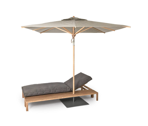 Newport add-on table by Weishäupl | Sun loungers