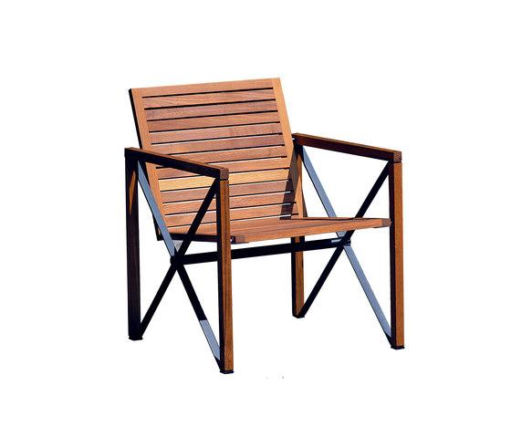 Xylofon armchair de Magnus Olesen | Sièges de jardin