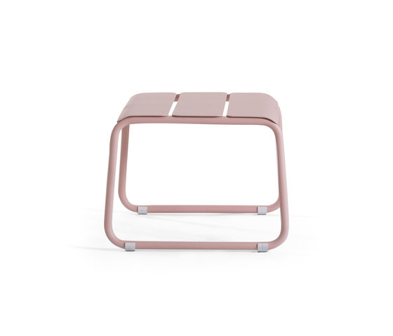 Corail Footstool/Coffee Table by Oasiq | Garden stools