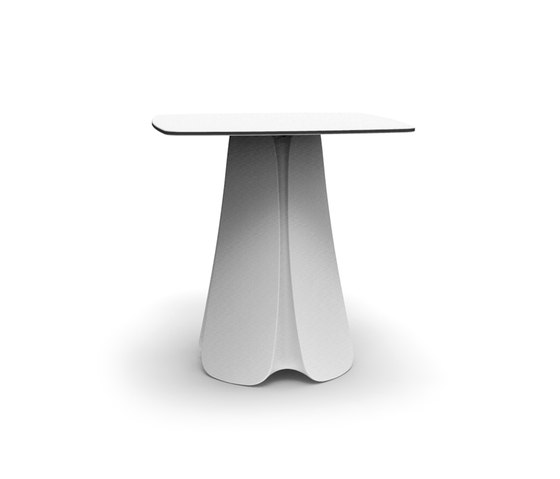 Pezzettina table by Vondom | Cafeteria tables