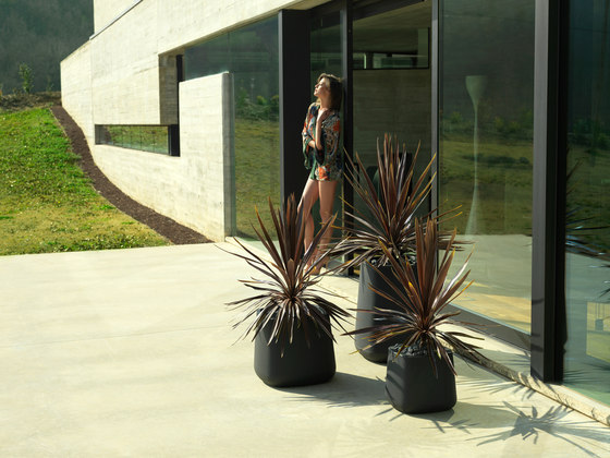 Ulm Cuadrada by Vondom | Flowerpots / Planters