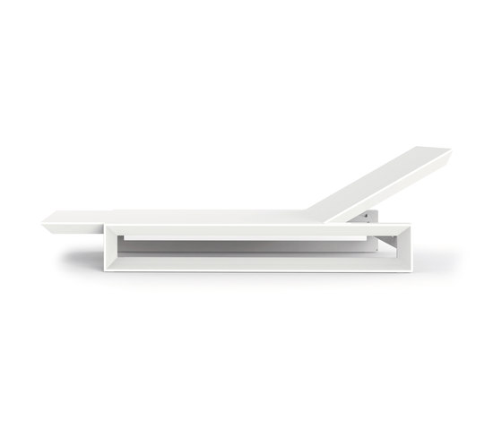 Frame daybed by Vondom | Sun loungers