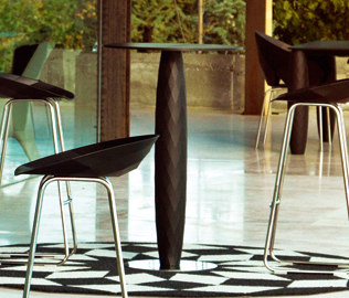 Vases table by Vondom | Standing tables