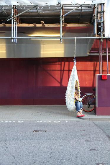 Woolweave | Urban retreat de Utopia and Utility | Hamacas
