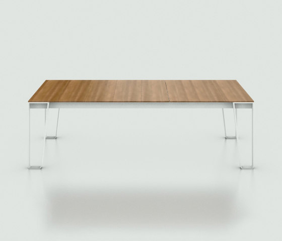 InOut 933 by Gervasoni | Restaurant tables