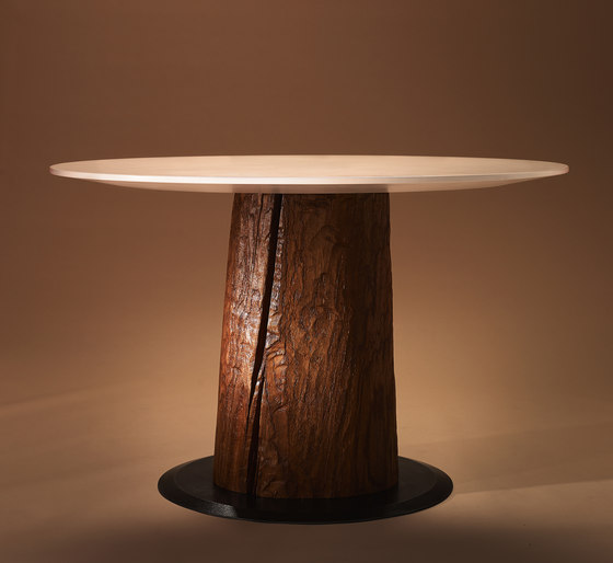 Oak wood kitchen table by Walser Möbel | Dining tables