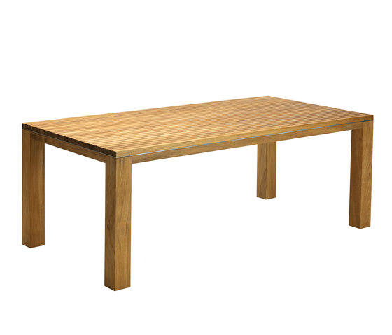 Essenza table by Ethimo | Dining tables