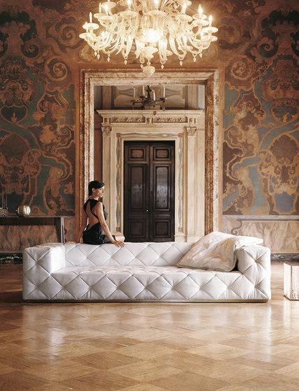 Must von Longhi S.p.a.   Sofas