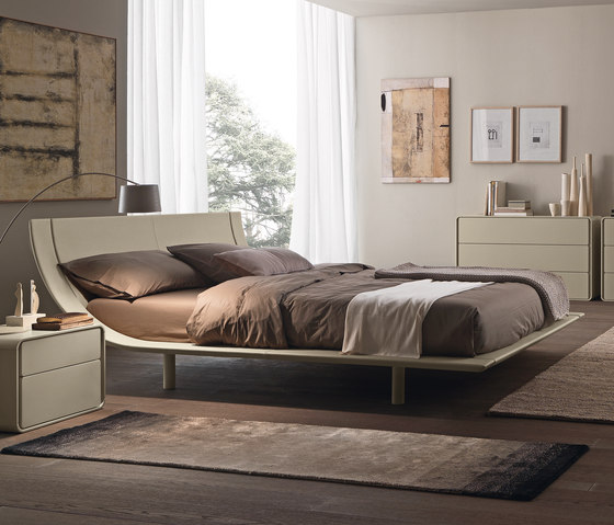 Aqua upholstered Bed by Presotto | Beds