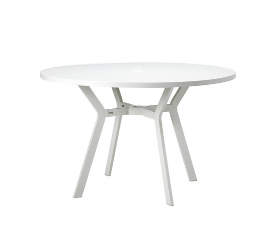 Ocean table by Ethimo | Dining tables