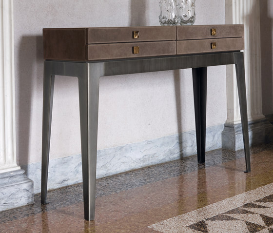 Lady von Longhi S.p.a. | Console tables