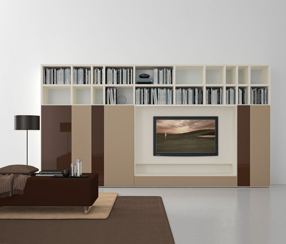 Pari & Dispari Swing door arrangements by Presotto | Wall storage systems