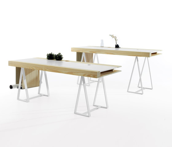 Gravity by Imasoto | Individual desks
