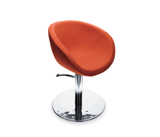 Shoka | GAMMA STATE OF THE ART Styling salon chair by GAMMA & BROSS | Barber chairs