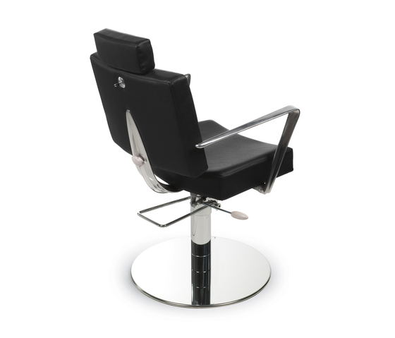 Skeraiotis | GAMMA STATE OF THE ART Styling salon chair by GAMMA & BROSS | Barber chairs