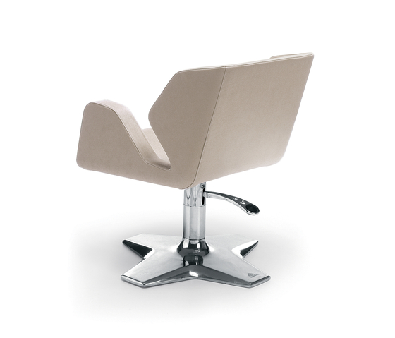 Wing | GAMMA STATE OF THE ART Styling salon chair by GAMMA & BROSS | Barber chairs