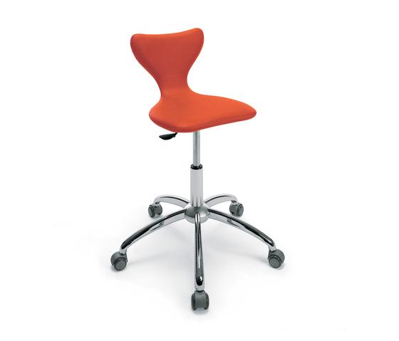 Foldino | GAMMA STATE OF THE ART Styling stool by GAMMA & BROSS | Barber chairs