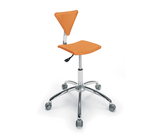 Junior | GAMMA STATE OF THE ART Styling stool by GAMMA & BROSS | Barber chairs