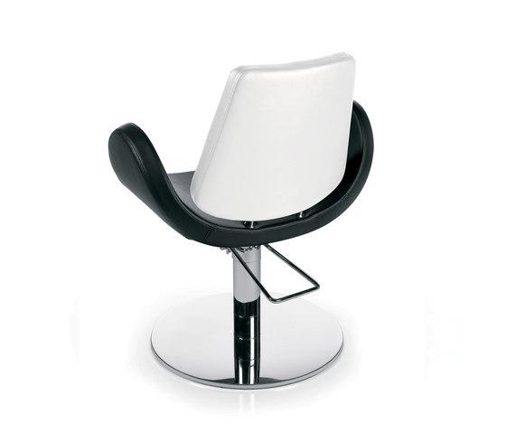 Alipes Roto | GAMMASTORE Styling salon chair by GAMMA & BROSS | Barber chairs