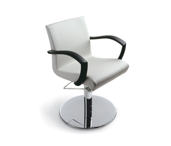 Otis Roto | GAMMASTORE Styling salon chair by GAMMA & BROSS | Barber chairs