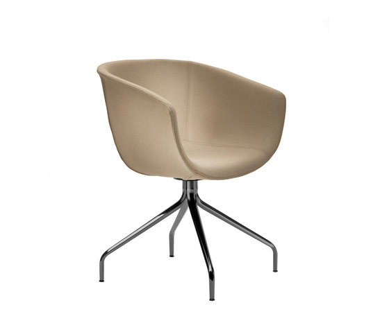 Derby | Swivel 4 leg spider base, upholstered by Segis | Visitors chairs / Side chairs