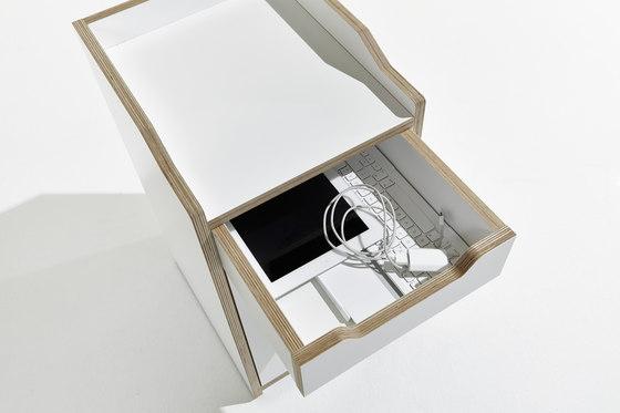 Plane by Müller Möbelwerkstätten | Pedestals